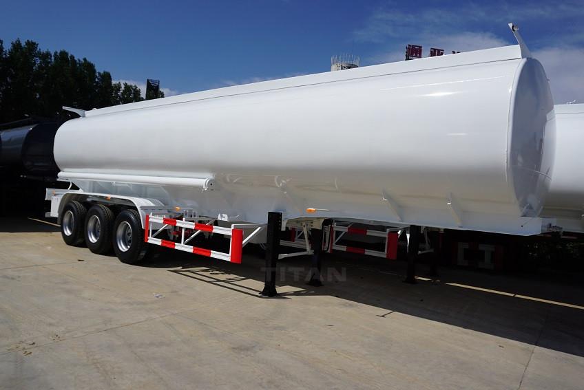China 50000 Liters Capacity Oil Transportation Tanker Fuel