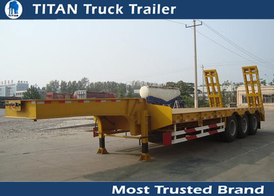 China TITAN Heavy Transports tri Axle LowBed Semi Trailer with small ladders factory