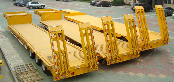 Transport Construction Machinery Low Bed Trailer , Semi Trucks Cargo Trailer